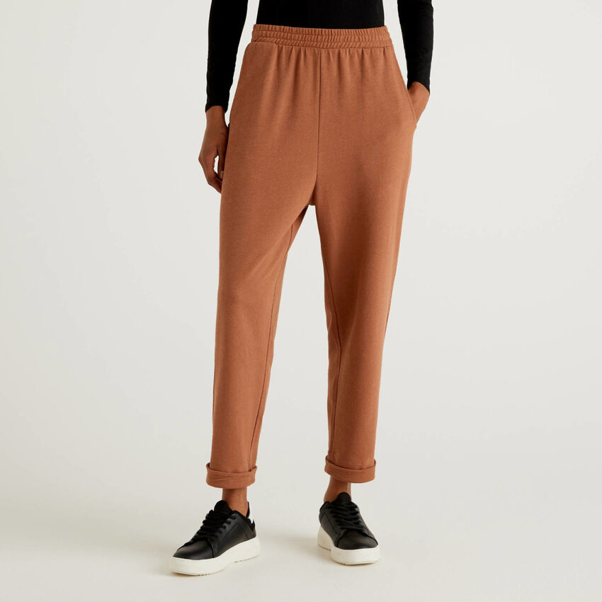 Trousers in 100% organic cotton