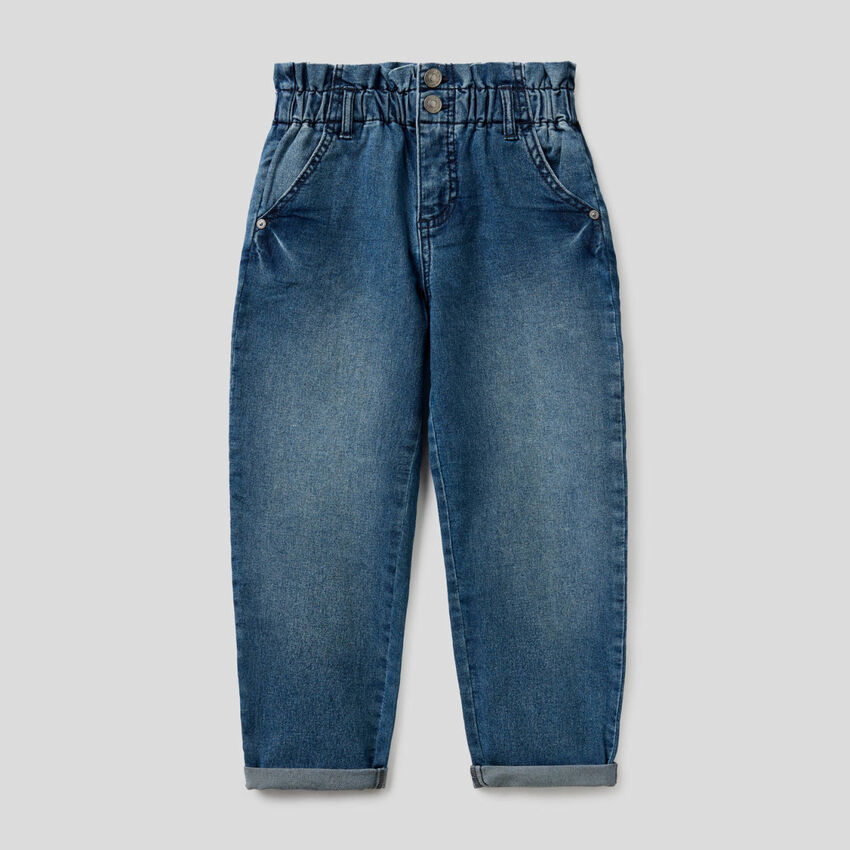 Baggy jeans with gathered waist