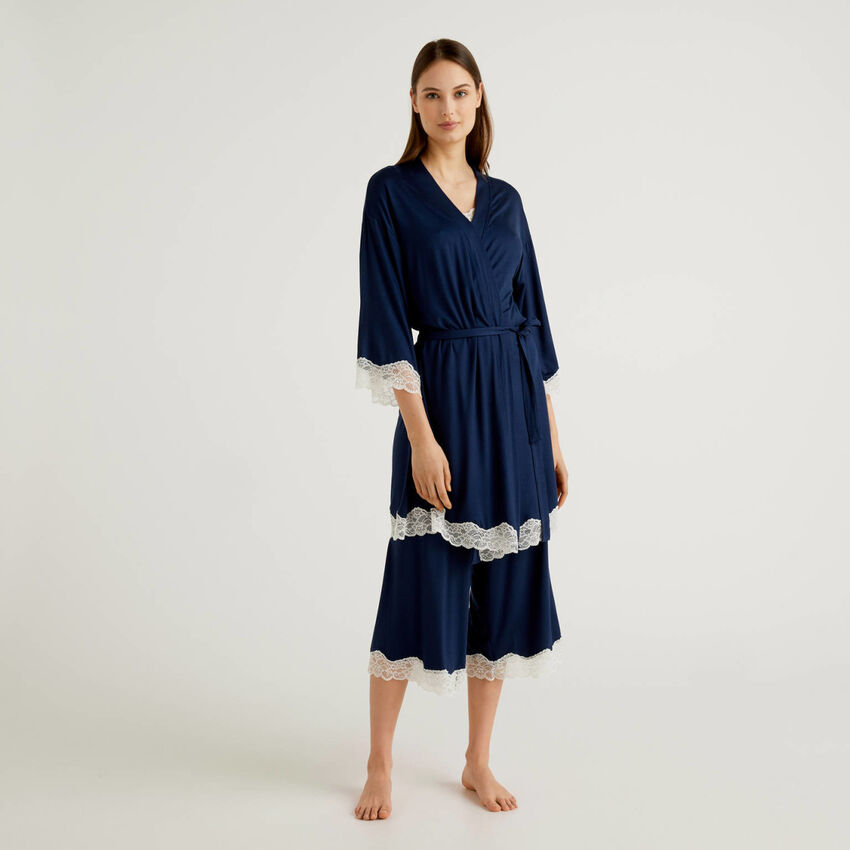 Nightgown with lace detail