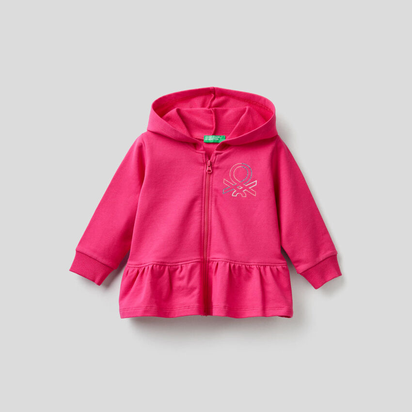 Hoodie with pocket and hood