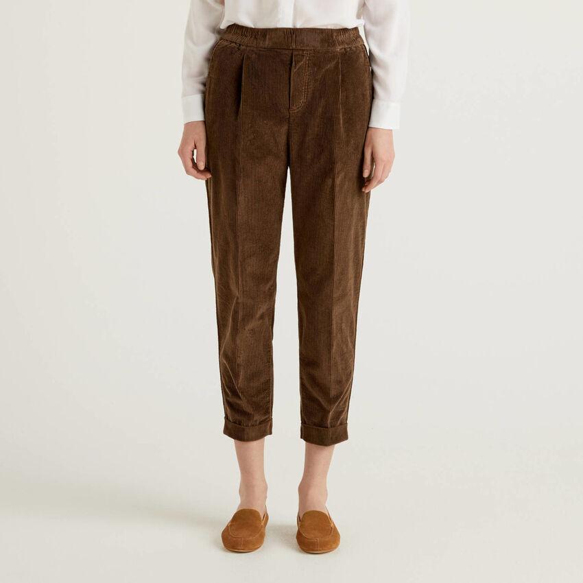 Chinos in velvet with stretch waist