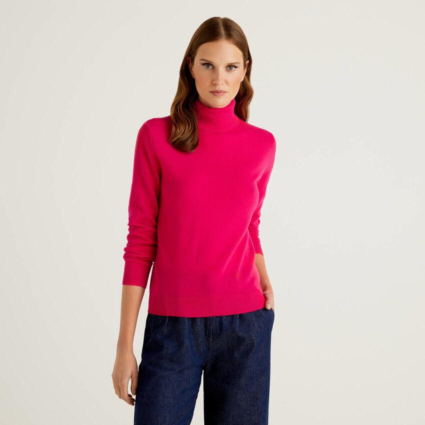 Fuchsia turtleneck sweater in pure virgin wool