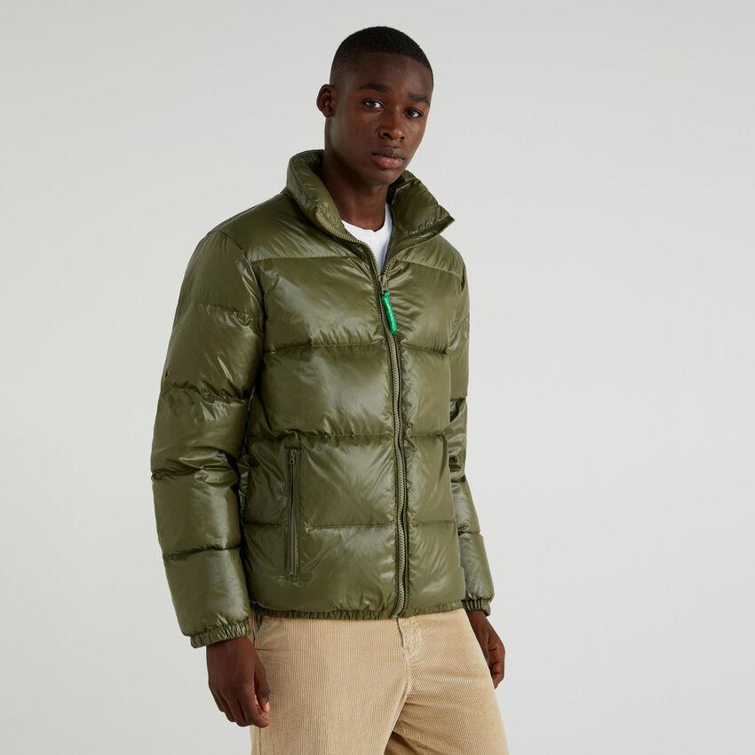Short puffed jacket