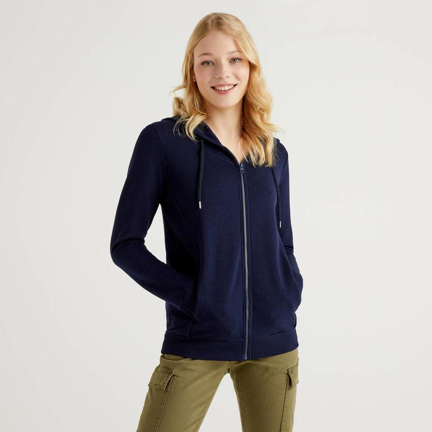100% cotton sweatshirt with zip and hood