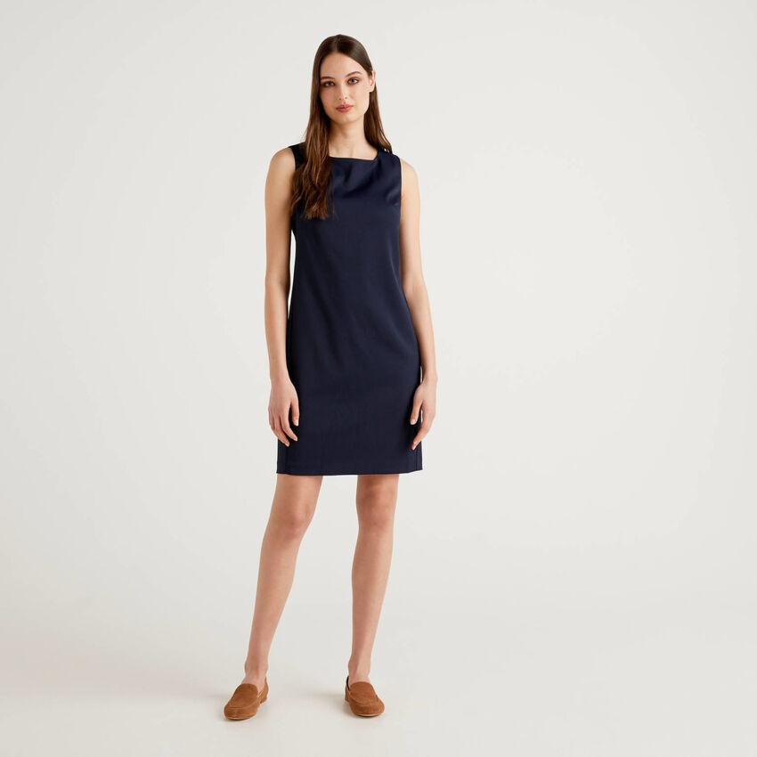 Sheath dress in stretch fabric
