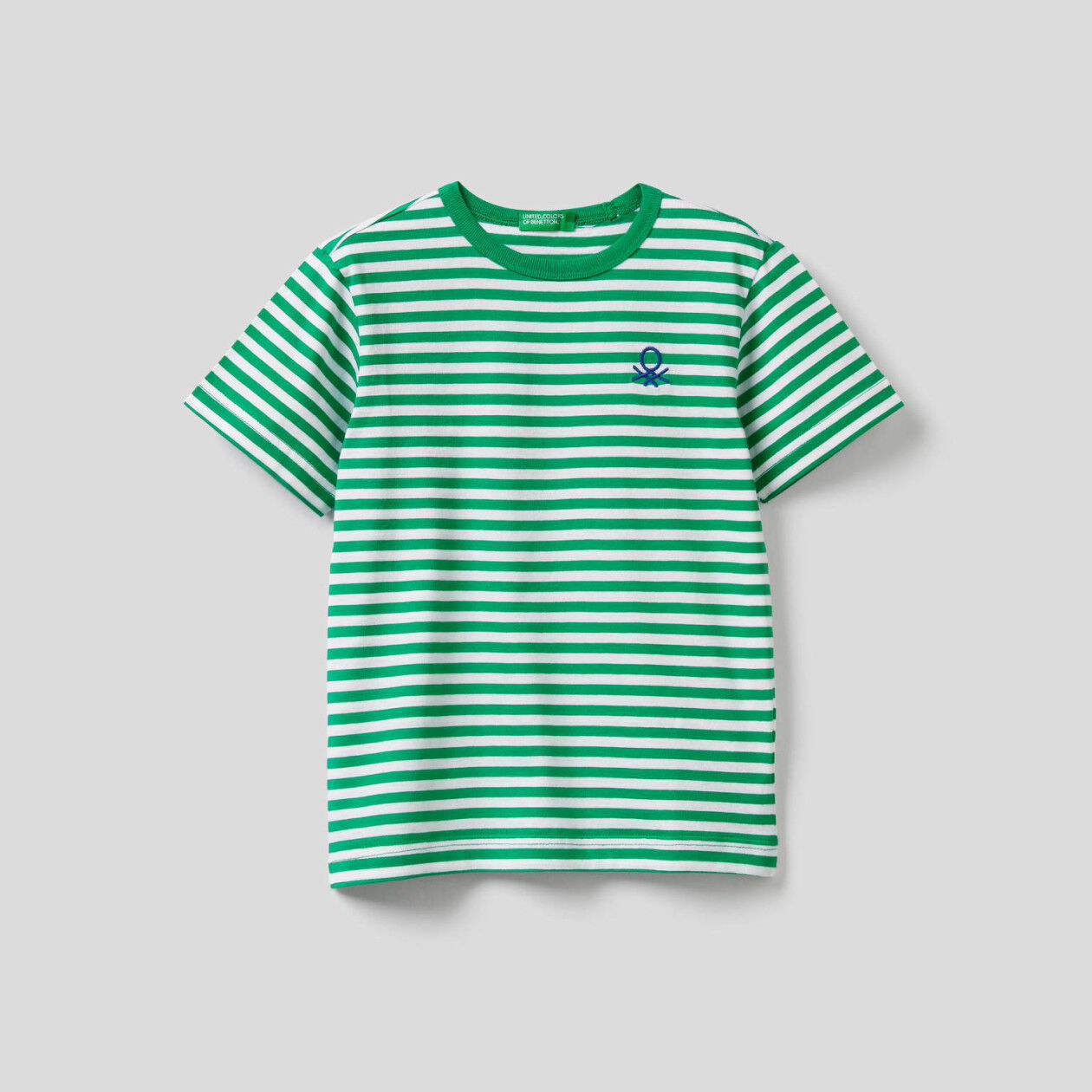 T-shirt with embroidered pocket