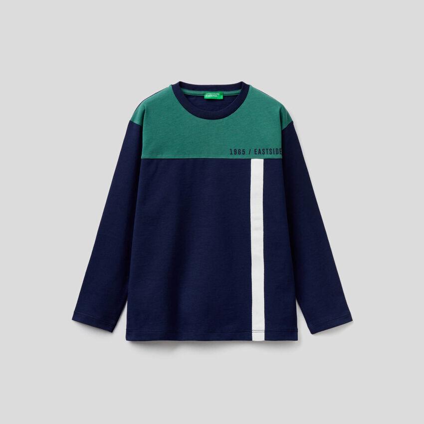 Dark blue color block t-shirt
