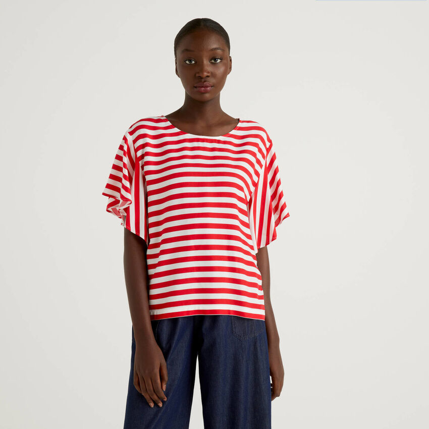 T-shirt with frill sleeve