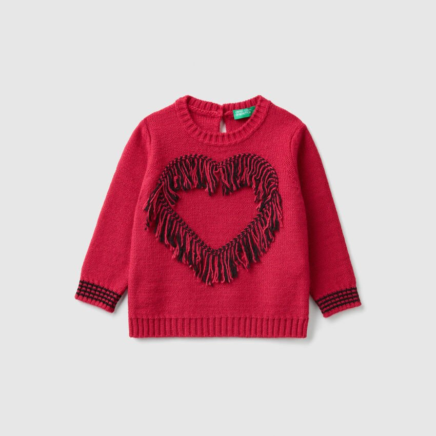 Sweater with heart and fringe